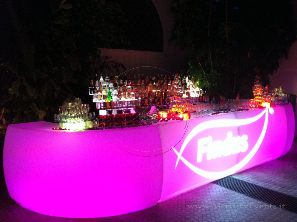 Wayruro-BAr-bancone-luminoso-Open-BAr-eventi-catering-roma-firenze-toscana PRADA Donna, Evento Open Bar