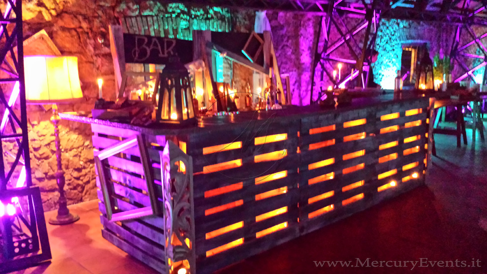 vintage-bar-pallets-feste-open-bar-Mercury-Events-0101.jpg