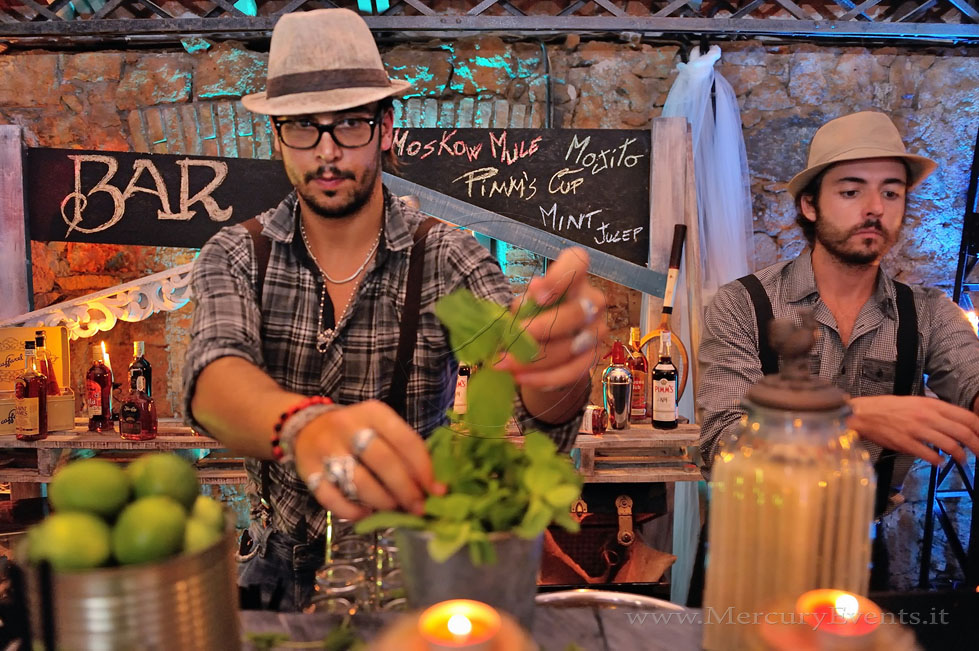 Vintage-Bar-Pallets-Open-Bar-Mercury-Events-Catering-Roma-Toscana-Firenze PRADA Donna, Evento Open Bar