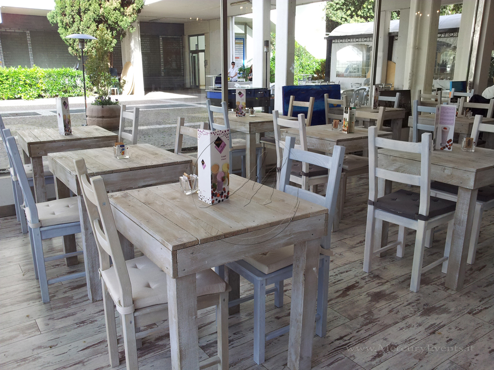 Arredamento bar shabby chic ae27 regardsdefemmes for Arredamento in roma