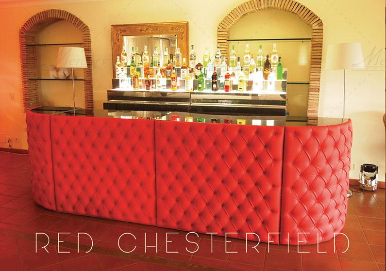 Bancne-bar-capitonne-Red-Chesterfield-open-bar-mercury-events PRADA Donna, Evento Open Bar