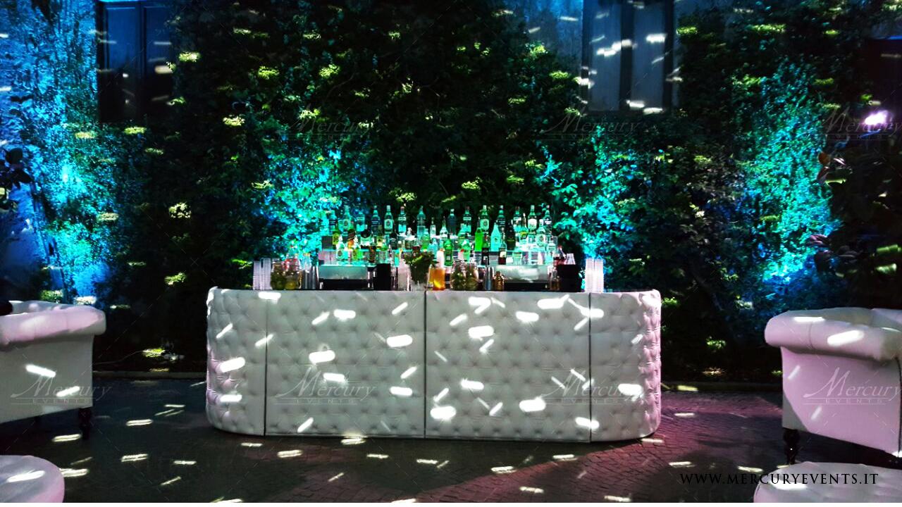 White chesterfield bar