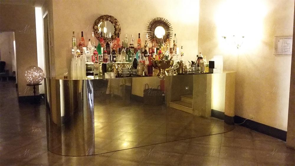 Bancone bar specchiato oro
