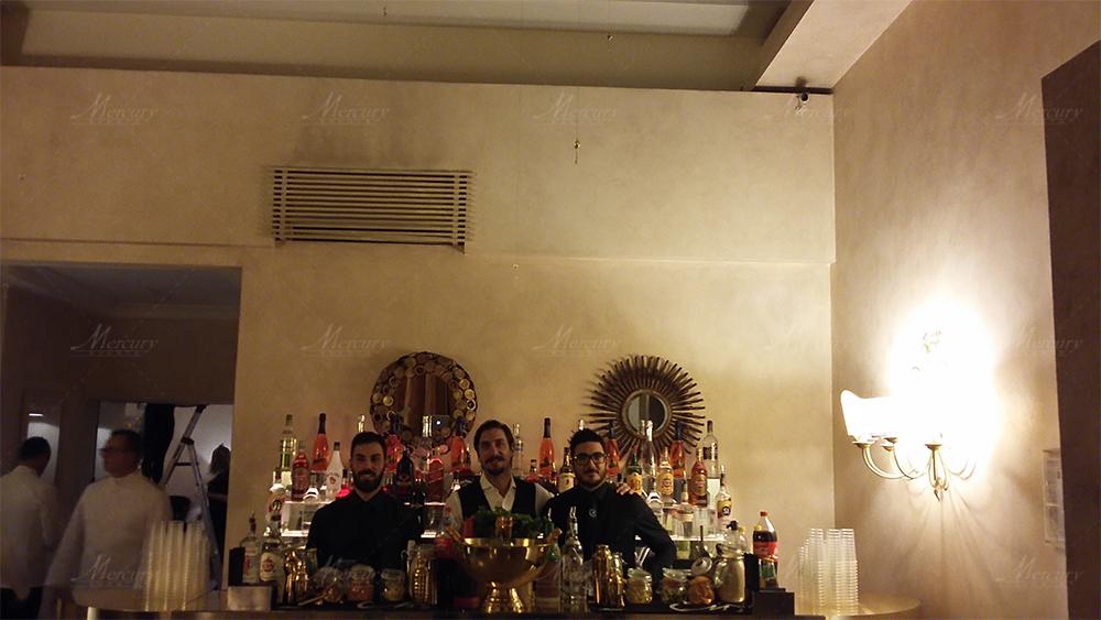 Banconi bar specchiato oro