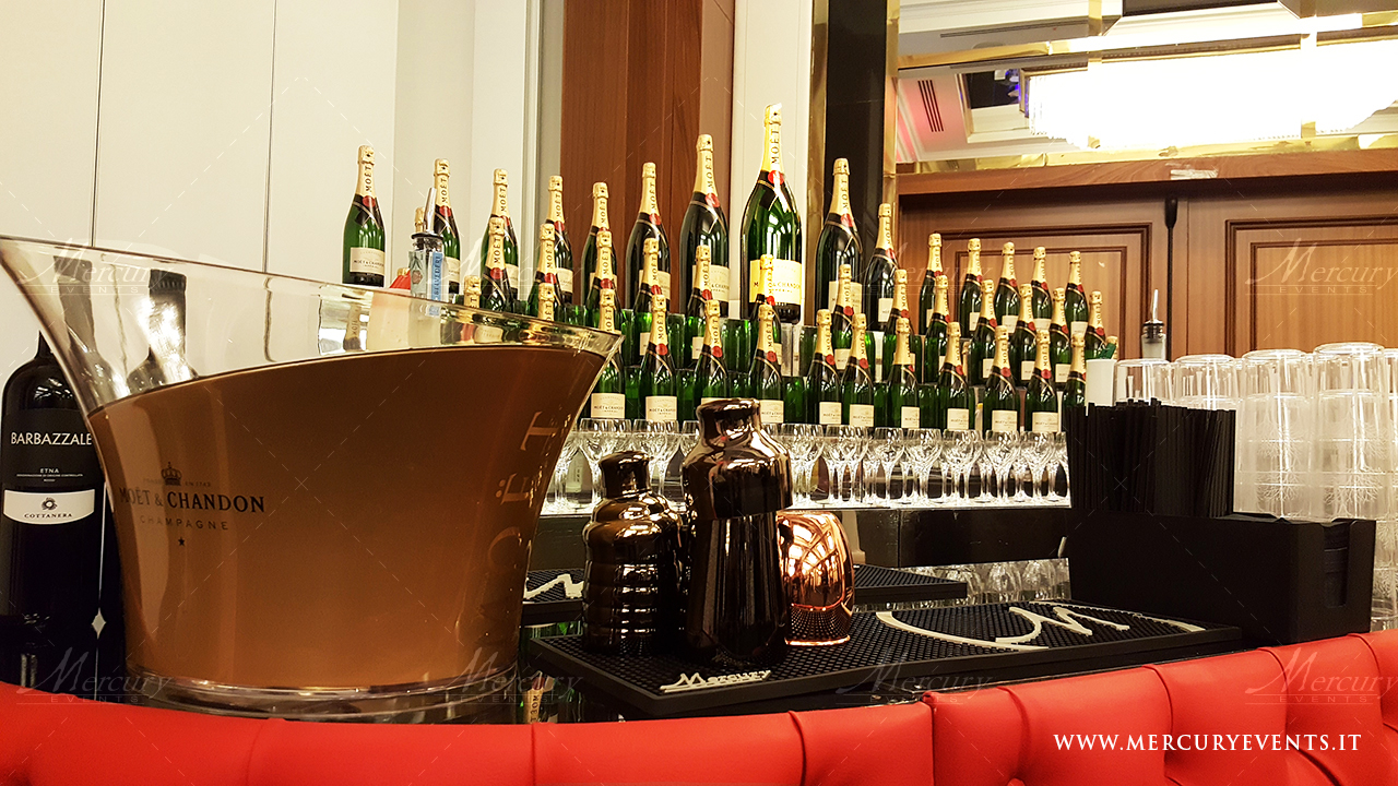 open_bar_catering_juventus_compleanno_alessandro_martorana_red_chesterfield_hotel_melia_milano4