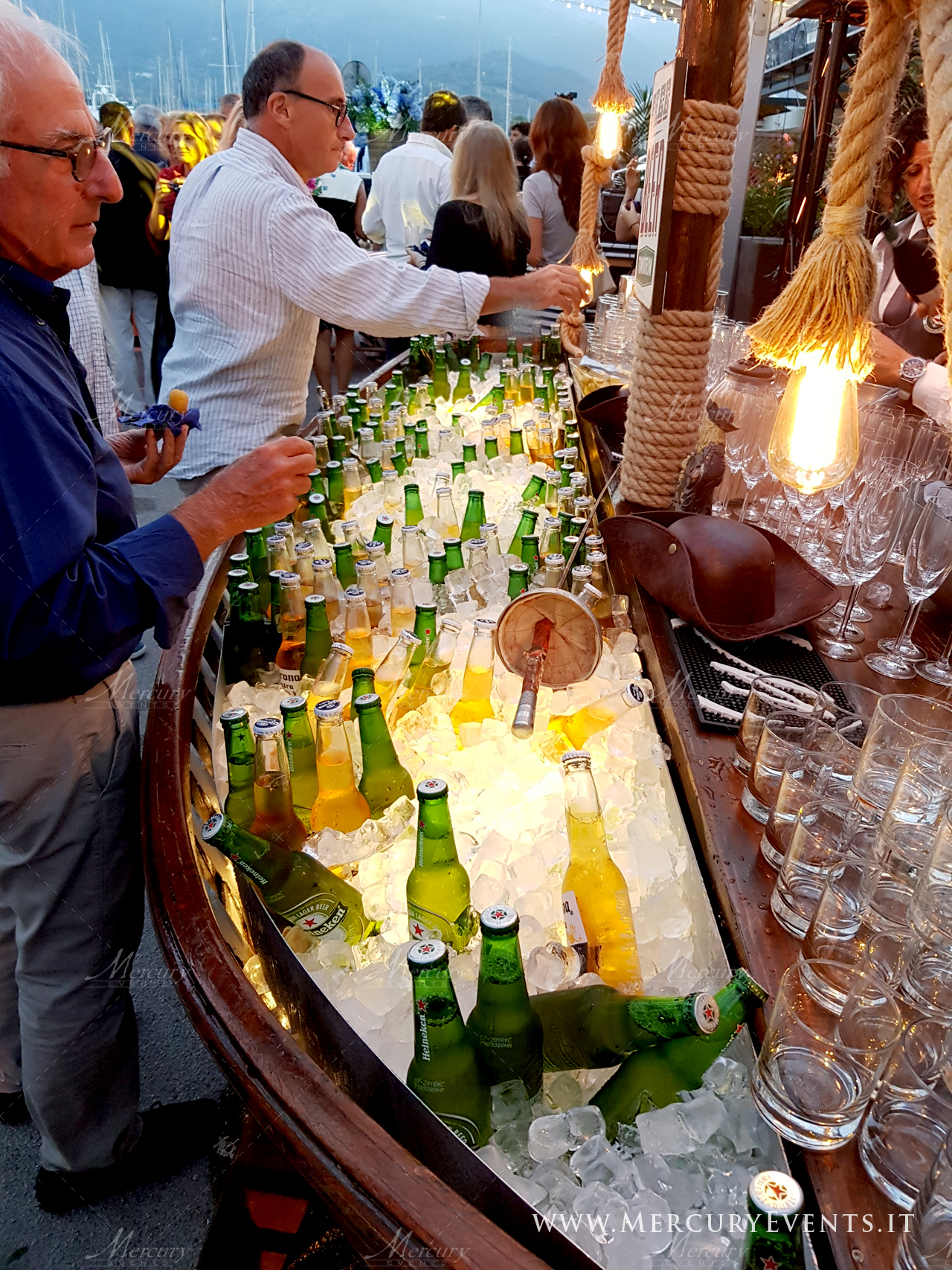 bancone_barca_birra_matrimonio_open_ber_mercury_events_01 PRADA Donna, Evento Open Bar