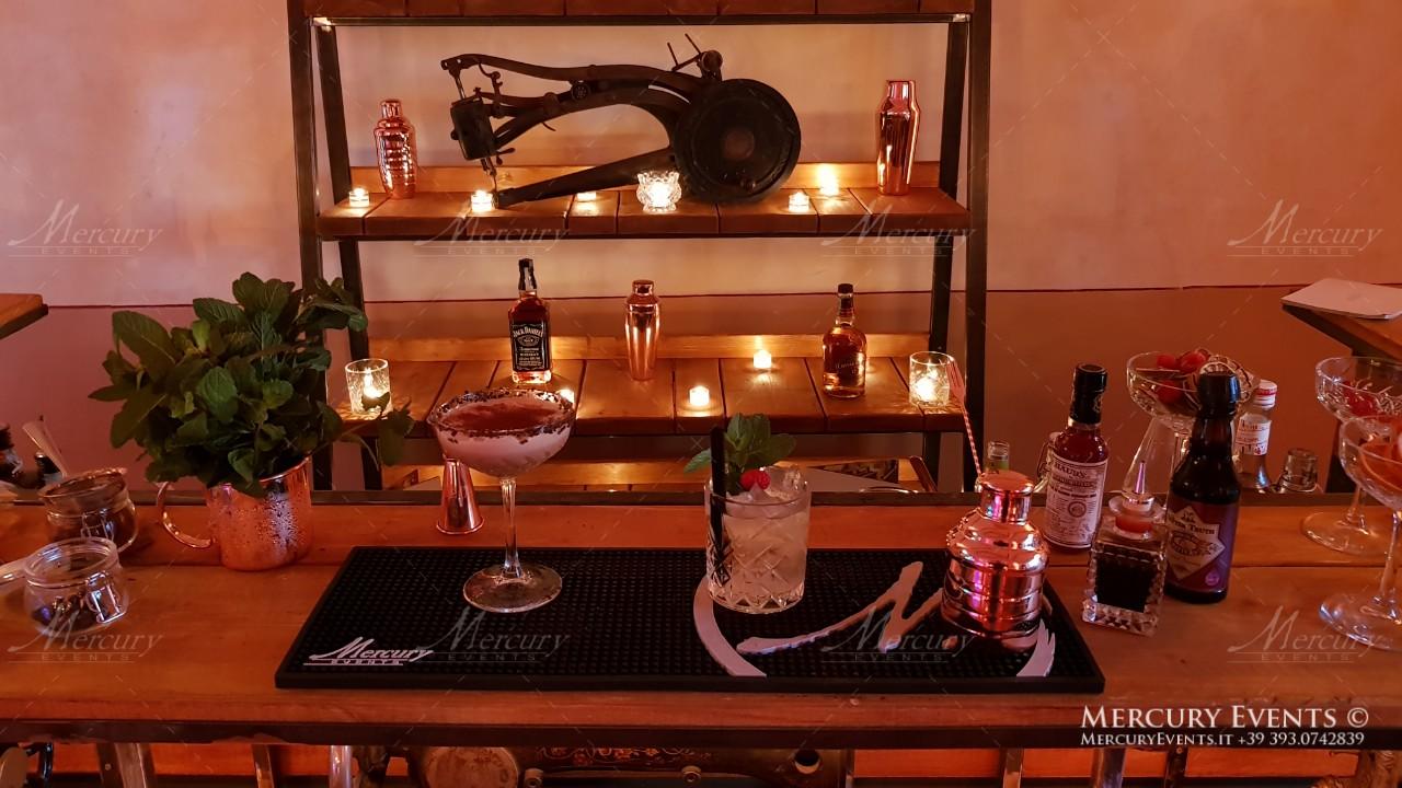 bancone barman serata vintage Singer