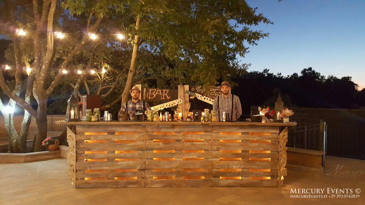 Bancone bar vintage arredamenti bar vintage bar stile for Bancone in legno fai da te