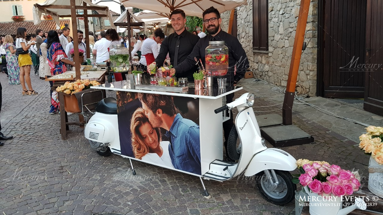Matrimonio In Vespa : Vespa special bar mercury events